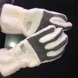 Authentic north face gloves